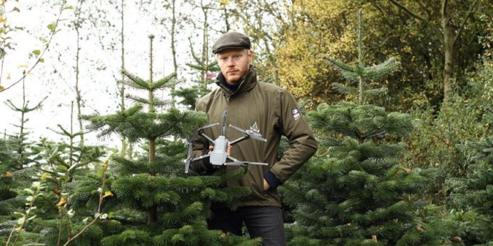 Family-Owned Business between Tradition and Innovation: Christmas Magic with Drones!